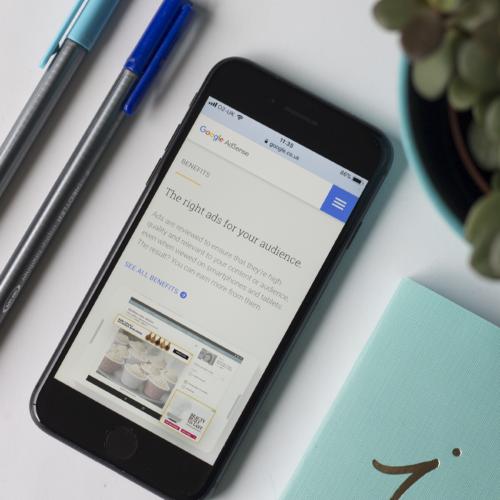 Google website on iPhone | HollyPryce.com