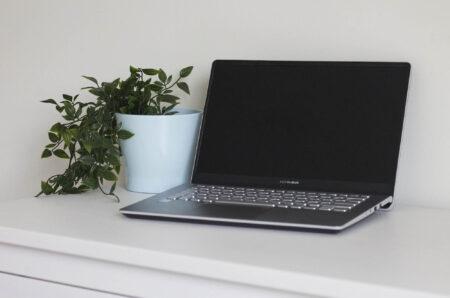 6 benefits of working with a web developer as a web designer | HollyPryce.com